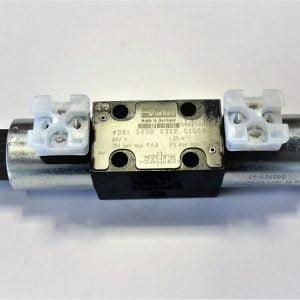 Suuntaventtiili Parker 4/3 3208 24V. 2-kelainen, käytössä mm. JD hakkuupäissä