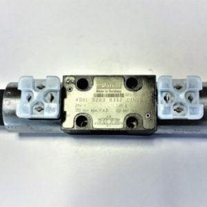Suuntaventtiili Parker 4/3 3203 24V. 2-kelainen, käytössä mm. JD hakkuupäissä
